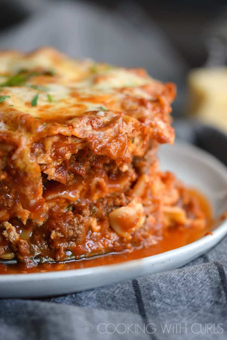 Raise your hand if you want Instant Pot Lasagna for dinner tonight © COOKING WITH CURLS