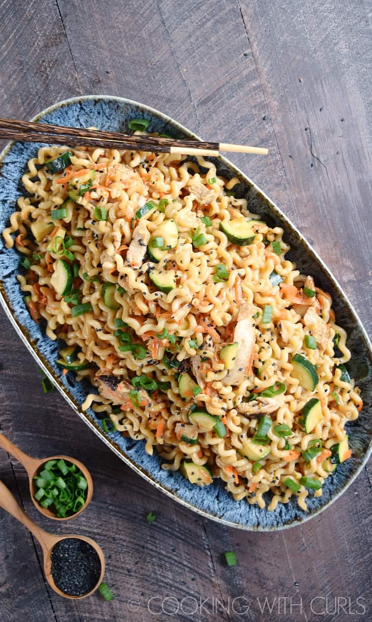 Spice up dinner time and serve your family Sesame Noodles with Grilled Chicken, Carrots and Zucchini tonight! © COOKING WITH CURLS