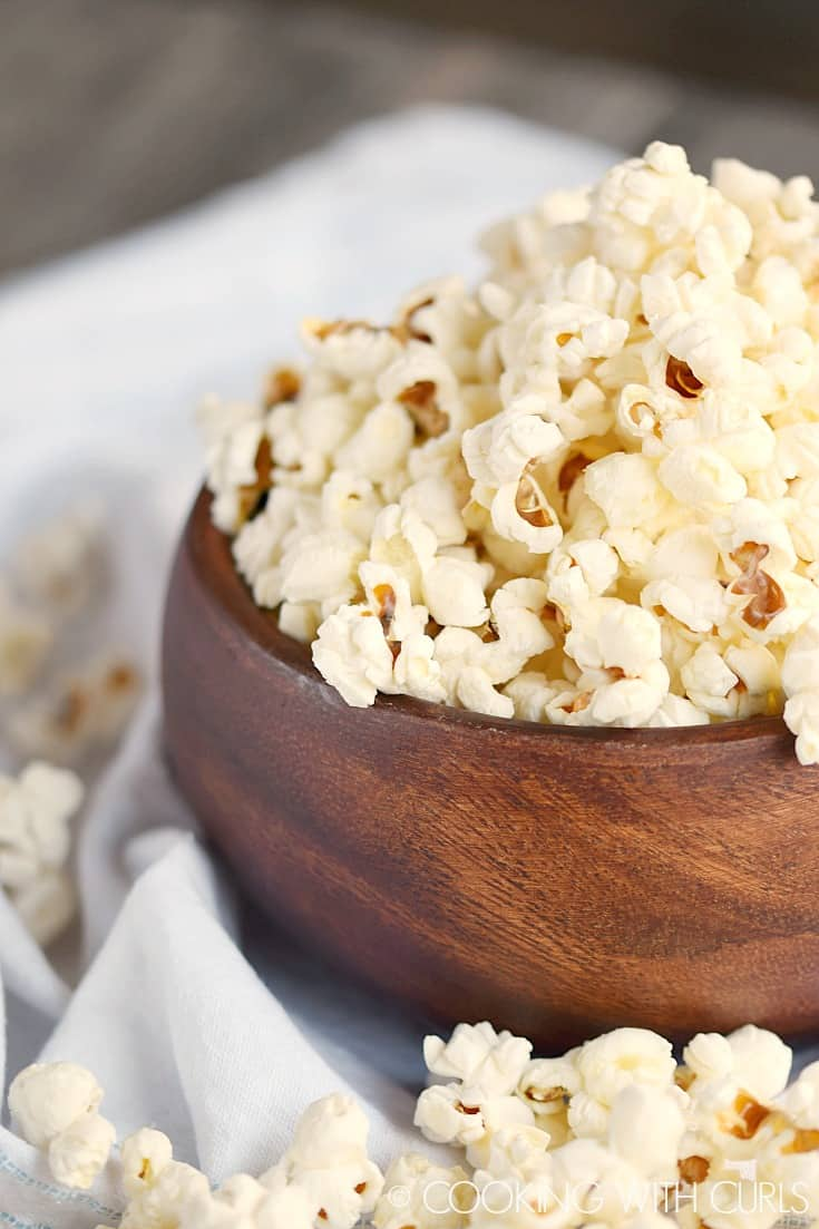 Instant Pot Popcorn © COOKING WITH CURLS