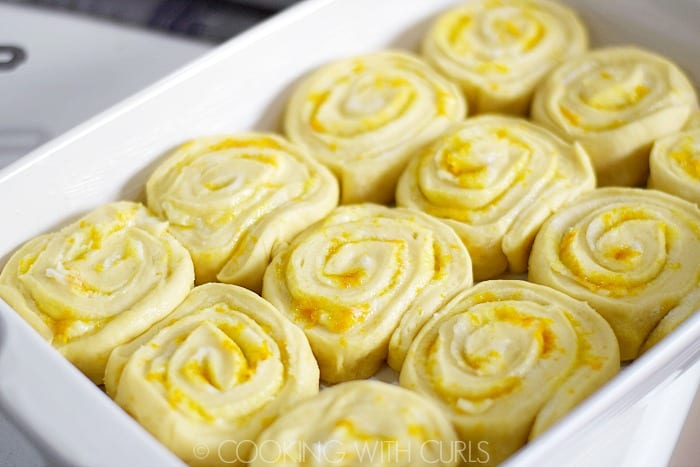 Place sliced rolls in a buttered baking dish © COOKING WITH CURLS