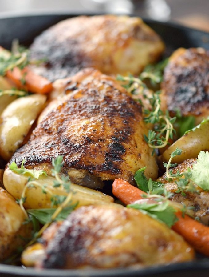 The entire family will love the deep, rich flavors in these Guinness Beer-Braised Chicken Thighs with carrots and petite potatoes! © COOKING WITH CURLS