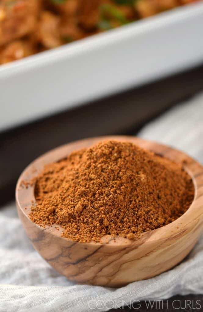 This Tandoori Spice Mix is simple to prepare and uses spices that you probably already have in your pantry! © COOKING WITH CURLS
