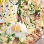 No English muffins, no problem. You don't need them when you make this fun Eggs Benedict Pizza for breakfast! © COOKING WITH CURLS