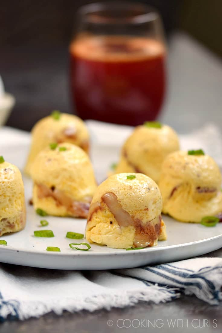 Start your morning with these deliciously simple Instant Pot Bacon-Cheddar Egg Bites! © COOKING WITH CURLS