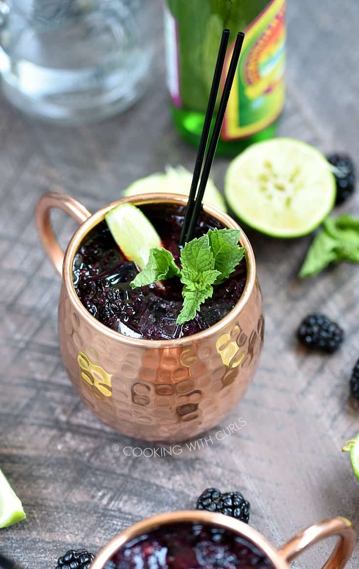 Grab those summer berries while you can and make yourself a refreshing Blackberry Moscow Mule before they are all gone! © COOKING WITH CURLS