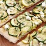 Grilled Summer Squash Pizza is the perfect light, healthy meal that can be easily adapted to a vegan meal! © COOKING WITH CURLS