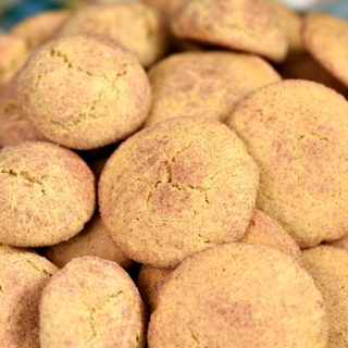 Soft and chewy Pumpkin Spice Snickerdoodles blend together all of fall's favorite flavors! cookingwithcurls.com