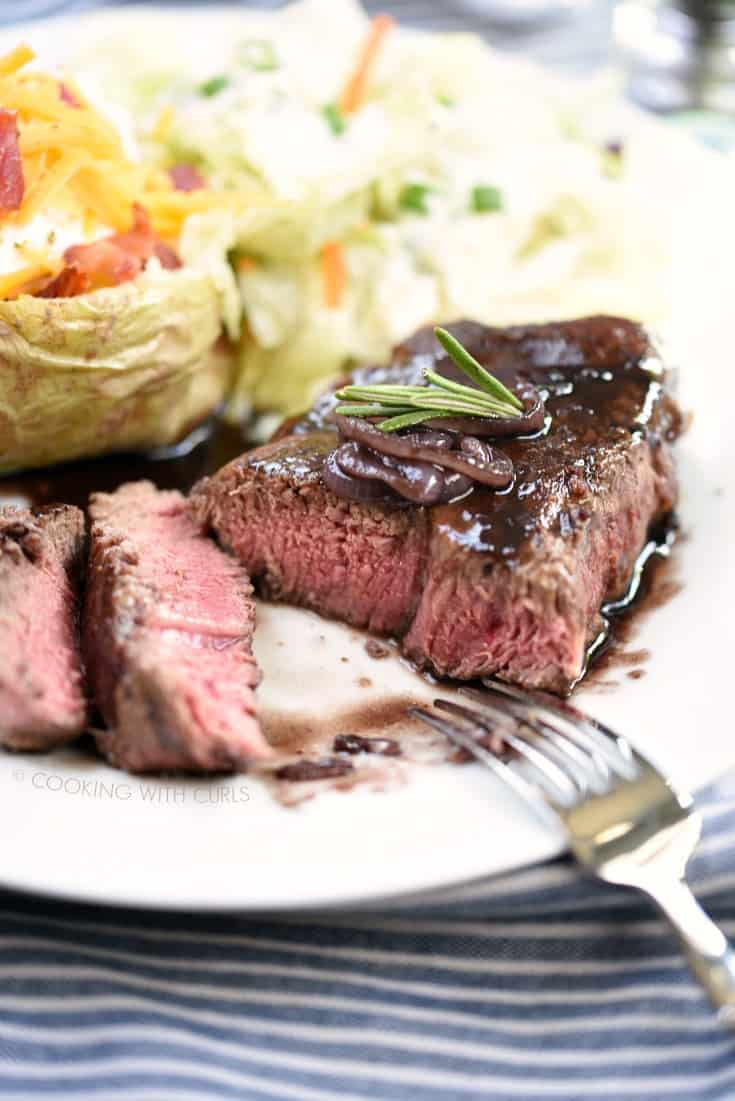 This Perfect Filet Mignon for Two will impress your date and your accountant! cookingwithcurls.com