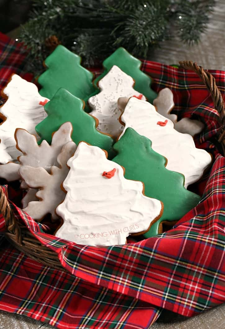 Your home will be filled with the smell of Christmas with these Gingerbread Cookies baking in the oven! cookingwithcurls.com