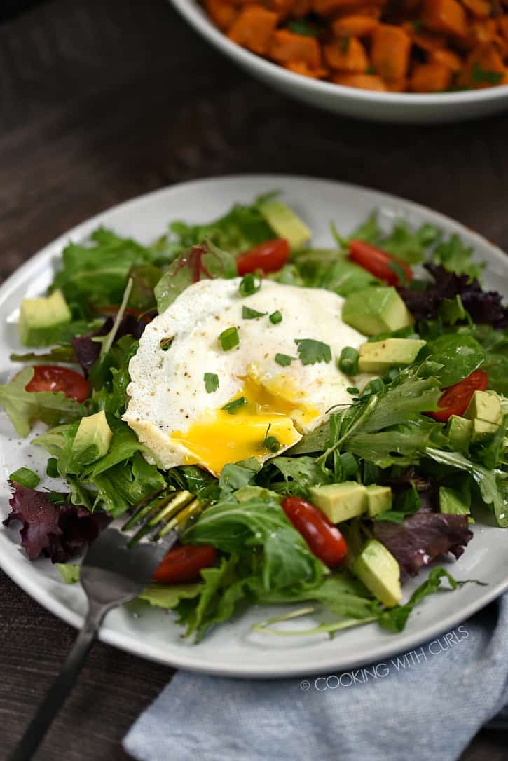 This Whole 30 Breakfast Salad is a quick and easy way to start your day! cookingwithcurls.com
