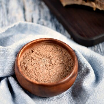 Cafe Mocha Dry Rub in a small wooden bowl wrapped in a blue napkin.