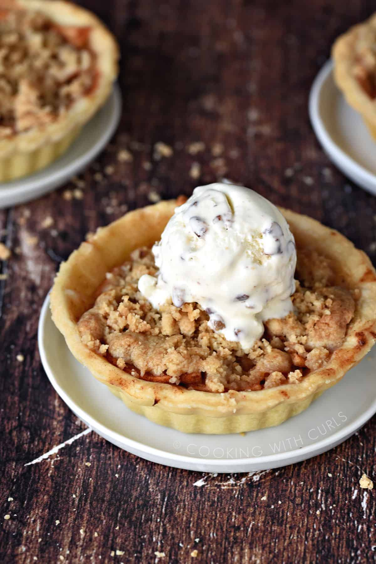 Mini Dutch Apple Pies   Cooking With Curls